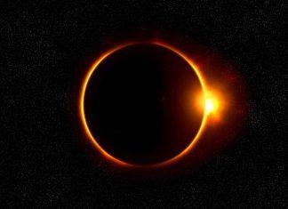 Se ha dicho que el mejor lugar para presenciar el próximo eclipse solar será la parte más continental de los Estados Unidos. En la zona noroeste de Europa se podrá disfrutar un poco del espectáculo durante la puesta del sol al amanecer. Sin embargo, desde ese punto el fenómeno será parcial, debido a la ubicación, a diferencia de Estados Unidos. En varios sentidos, serán atravesados de oeste a este por el camino de la totalidad y que podrán ver desde cualquier sitio y durante horas.