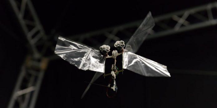 Robots acrobáticos pudieran ser el futuro de aviones no tripulados