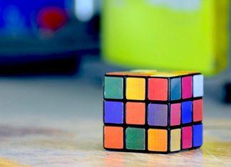 Un Cubo Rubik que se resuelve solo