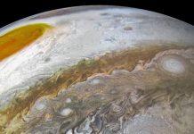 Las barcazas marrones capturadas en imágenes por Juno