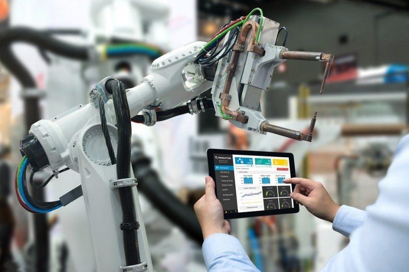 OIT también expreso que los robots habían reducido el número de trabajadores en la industria