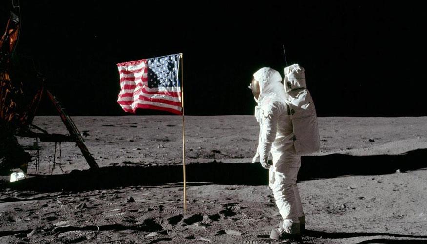 el hombre llego a la luna