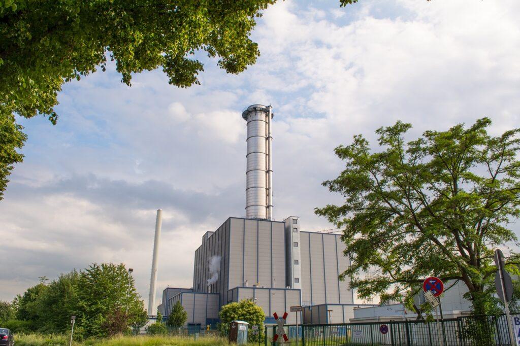 precio de la luz central termoeléctrica